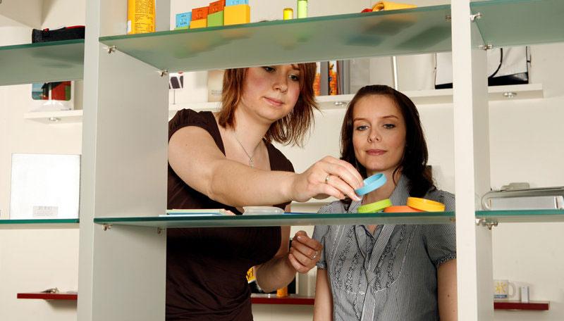 kaufmann frau f r marketingkommunikation ausbildungen lehrstellen und karriere in mecklenburg. Black Bedroom Furniture Sets. Home Design Ideas